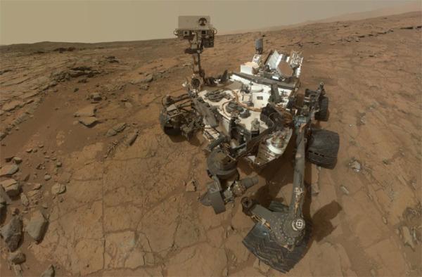 Curiosity roveris Marso paviršiuje