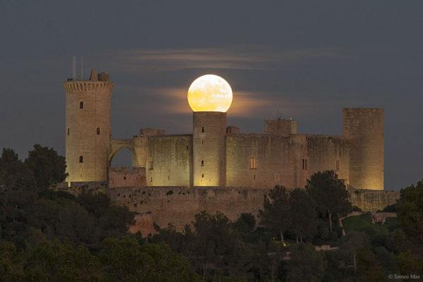 Supermoon over Spanish Castle