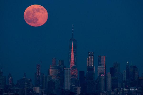 Manhattan Moonrise